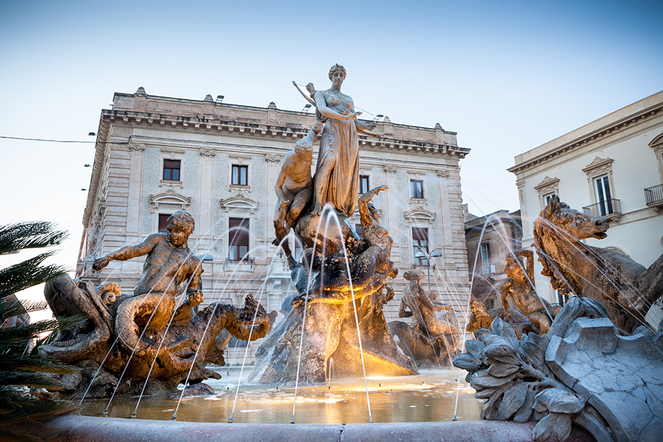 Living and learning about the history of Sicily through its  ancient sites, fountains and architecture