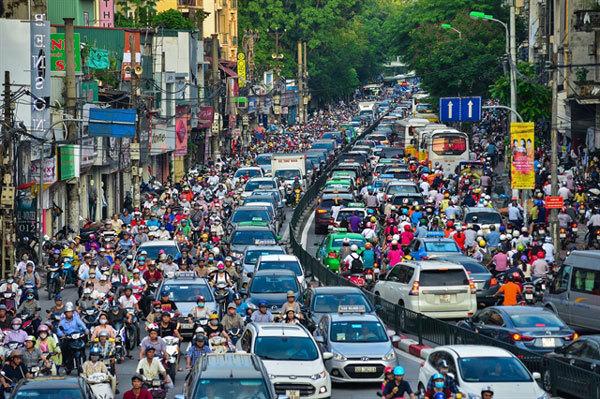 traffic in Hanoi Vietnams